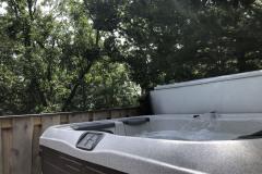 cabin-hot-tub-trees